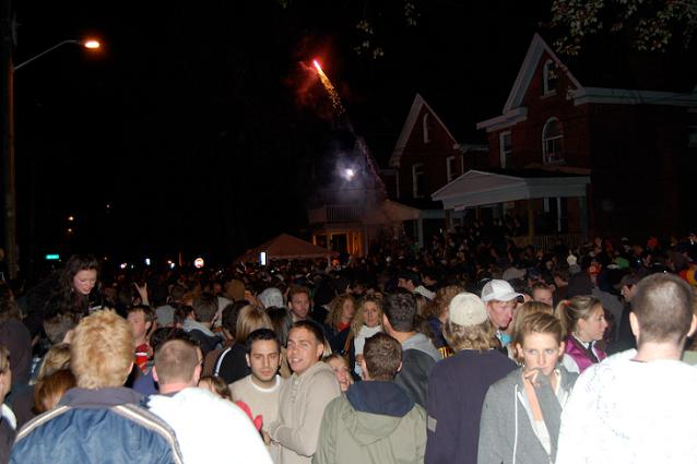 Queen's University Homecoming 2009, Aberdeen Street Party, Kingston, Ontario