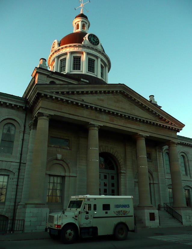 Kingston City Hall, brinks security hall, robbing city hall, Kingston, Ontario
