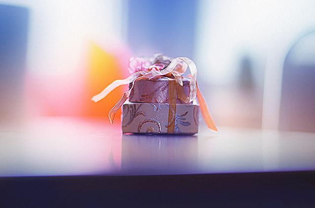Gift Giving, Christmas season, Kingston, Ontario