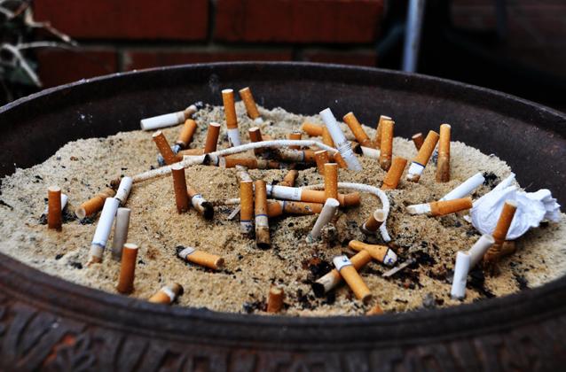 No smoking bylaw, smoking in public