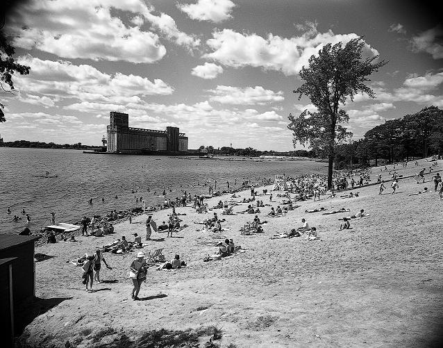 Lake Ontario Park, beach, Kingston, Ontario