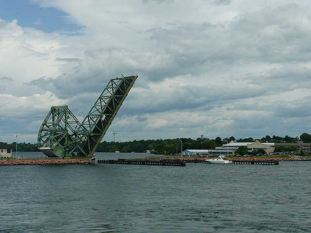 LaSalle Causeway, lift bridge, boating, traffic