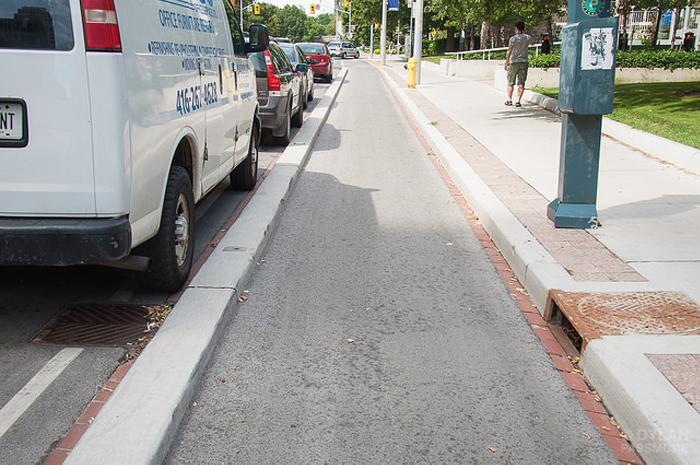 bike way, lanes, cycling, bath road, Kingston, Ontario