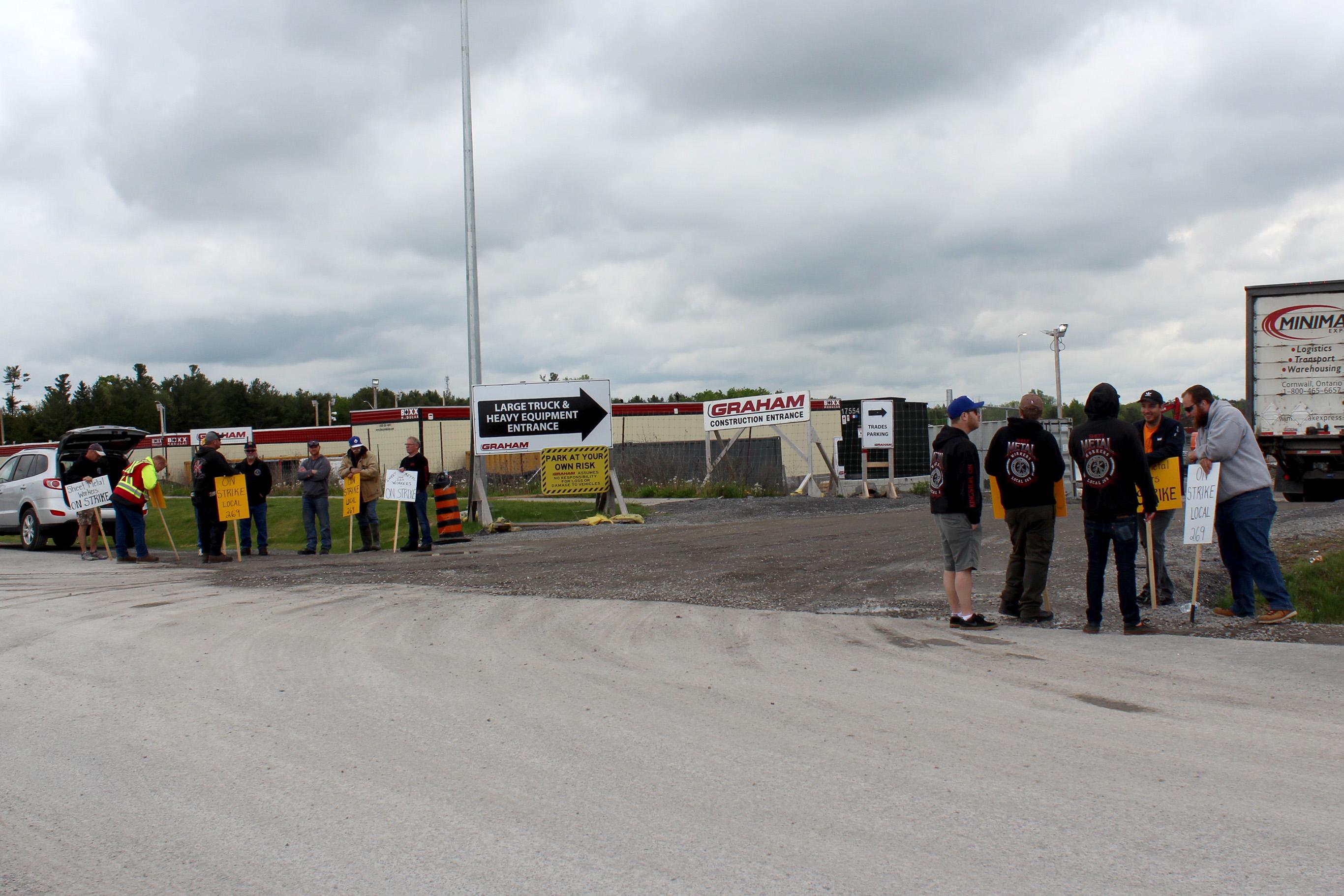 Sheet metal workers enter fourth week of strike