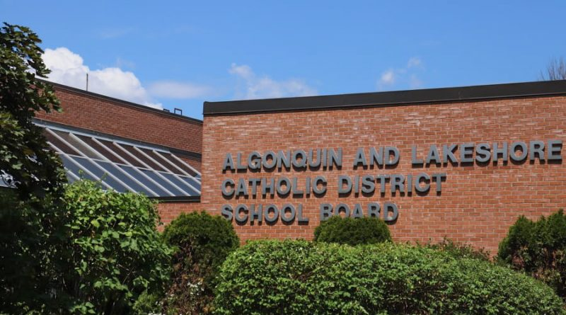 ALCDSB reminds elementary families of option to switch learning modes